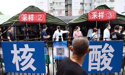 Trung Quốc: Nhóm du lịch nhiễm COVID-19 về Bắc Kinh không khai báo, tiếp xúc cả nghìn người
