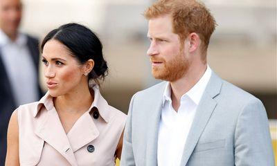 Hoàng tử Harry ra