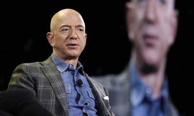 Tỷ phú giàu nhất thế giới Jeff Bezos tuyên bố từ chức CEO Amazon