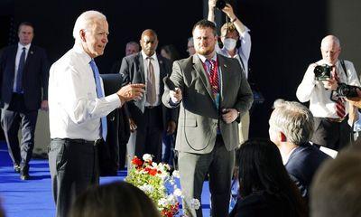 Video: Tổng thống Biden nổi giận khi bị phóng viên