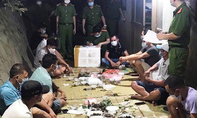 Bắc Giang: 9 thanh niên tụ tập uống bia trong khu cách ly bị phạt 70 triệu đồng