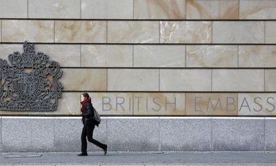 Một nhân viên Đại sứ quán Anh tại Đức bị bắt vì nghi làm gián điệp cho Nga