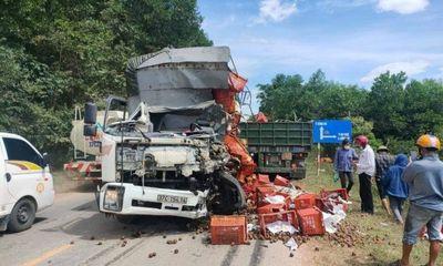 Tin tức tai nạn giao thông ngày 13/8: Xe tải đối đầu xe container, một tài xế tử vong