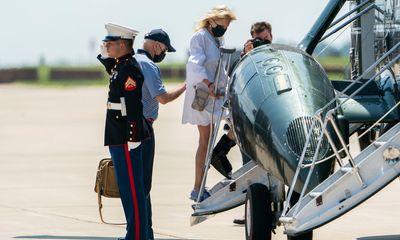 Tổng thống Biden bị chỉ trích vì đi nghỉ giữa lúc Afghanistan căng thẳng