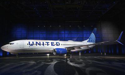 Hãng hàng không Mỹ nhắc nhở nhân viên sau vụ tiếp viên trói khách bằng băng dính