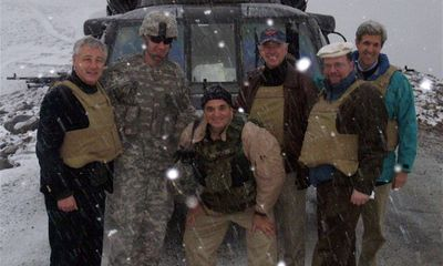 Thông dịch viên từng cứu ông Biden 13 năm trước bị bỏ lại ở Afghanistan