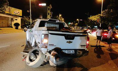 Tin tức tai nạn giao thông ngày 5/9: Xế hộp đâm liên hoàn nhiều phương tiện, người bị thương nằm la liệt