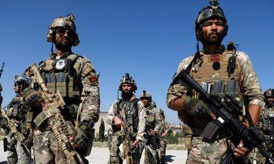 Rộ tin binh sĩ Afghanistan được NATO huấn luyện gia nhập lực lượng Taliban