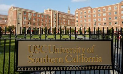Mỹ: Bắt đầu xét xử bê bối gian lận tuyển sinh đại học lớn nhất trong giới nhà giàu