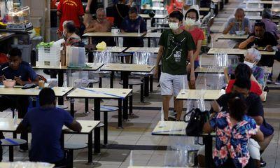 Chuyên gia Singapore kêu gọi chính phủ bắt buộc tiêm vaccine ngừa COVID-19