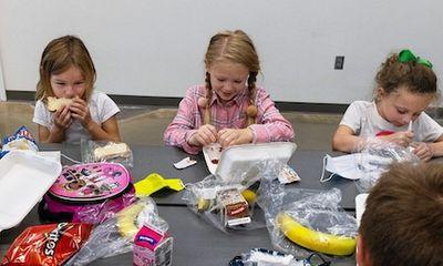 Vì sao nhiều trường học ở Mỹ không lo được bữa ăn cho học sinh sau khi mở cửa hậu đại dịch?