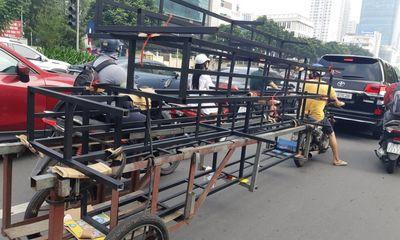 Tin tức tai nạn giao thông mới ngày 4/10: Xe tự chế chở hàng cồng kềnh, vô tư chiếm đường gây bức xúc