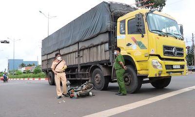 Tin tức tai nạn giao thông mới ngày 14/10: Va chạm giữa xe tải và xe máy, một người tử vong