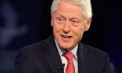 Cựu Tổng thống Bill Clinton nhập viện, nghi do nhiễm trùng máu