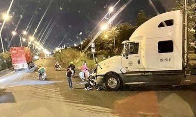 Tin tức tai nạn giao thông mới ngày 17/10: Va chạm với container, một người tử vong