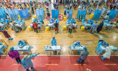 Ít nhất 18 tỉnh ở Trung Quốc bắt đầu tiêm mũi tăng cường vaccine ngừa COVID-19