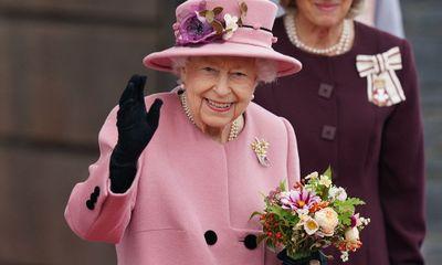 Nữ hoàng Anh Elizabeth II nhập viện lần đầu sau nhiều năm