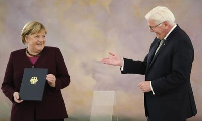 Đức chính thức miễn nhiệm bà Angela Merkel, kết thúc thời kỳ 16 năm lãnh đạo của