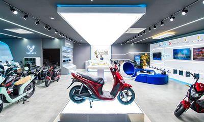 Kinh doanh - VinFast đồng loạt khai trương 35 showroom xe máy điện kết hợp trung tâm trải nghiệm Vin3S