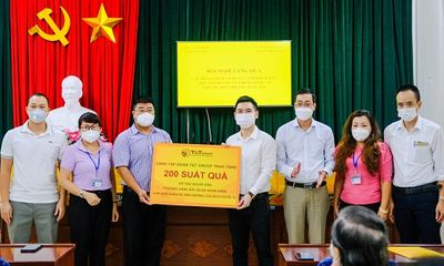 CBNV T&T Group trao tặng 3.000 suất quà cho người dân Hà Nội gặp khó khăn do Covid-19