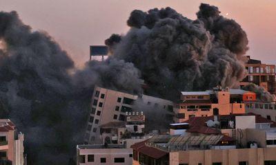Hamas phóng hàng trăm rocket trả đũa Israel, thương vong tăng cao