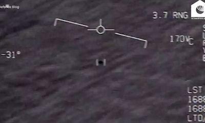 Cựu trung úy Hải quân Mỹ tiết lộ về việc liên tiếp chạm trán với UFO suốt hai năm