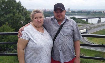 Bị vợ nặng hơn 100 kg đè lên cổ, người đàn ông tắt thở ngay trên giường