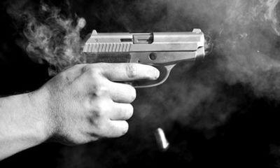 Cay cú vì vật tay thua, nam cảnh sát rút súng bắn đồng nghiệp tử vong