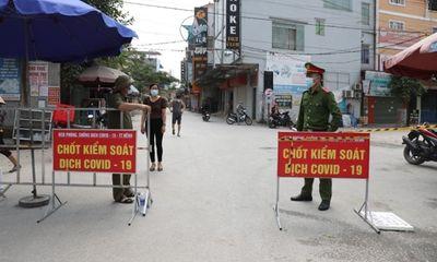 Bắc Giang: Để người dân ra ngoài khi đang cách ly xã hội, bí thư xã bị tạm đình chỉ