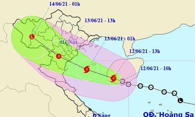 Khẩn trương ứng phó với bão số 2, kêu gọi tàu thuyền vào nơi an toàn