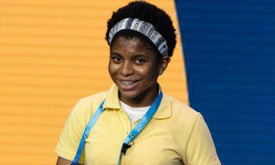 Cô bé 14 tuổi giành quán quân cuộc thi đánh vần tại Mỹ, tự học 7 tiếng mỗi ngày để đủ vốn từ đi thi