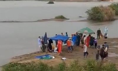 Đi bắt hến trên sông, 3 người trong một gia đình đuối nước tử vong