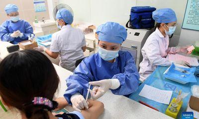 Bộ Y tế cho phép tiêm trộn vaccine Moderna và Pfizer