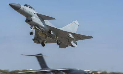 Tin thế giới - 'Rồng' J-10 Trung Quốc bất ngờ 'hạ đo ván' át chủ bài Su-35 của Nga khiến nhiều người sửng sốt
