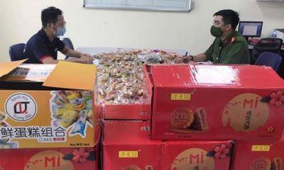 Hà Nội: Thu giữ gần 10 tấn bánh kẹo không rõ nguồn gốc trước dịp Trung thu