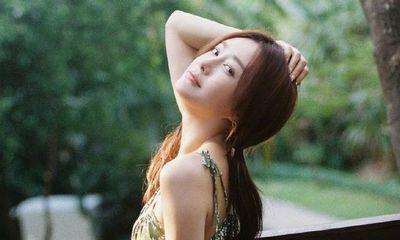 'Phú Sát Hoàng Hậu' Tần Lam gây 'sốt' với thân hình đồng hồ cát ở tuổi 42