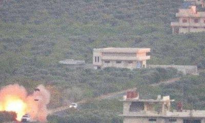 Đoàn xe quân sự chở vũ khí, đạn dược của Thổ Nhĩ Kỳ bị nổ tung trên đường tới Idlib
