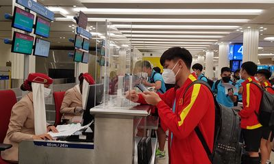 Đội tuyển Việt Nam mất trắng đêm để di chuyển tới Oman