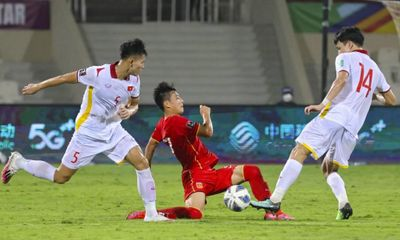 HLV Park Hang Seo giải thích việc chuyển Thanh Bình sang U22 Việt Nam