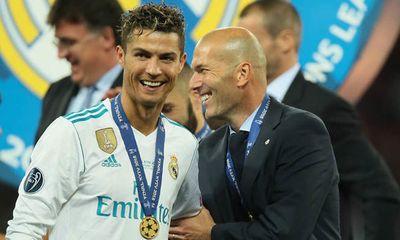 Rộ tin Cristiano Ronaldo ngỏ lời, MU liên hệ Zidane nhằm thay thế HLV Solskjaer