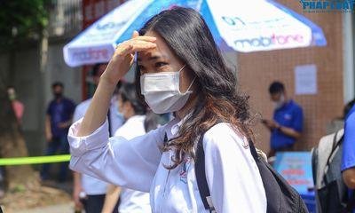 Nhiều thí sinh thi tốt nghiệp THPT tại Hà Nội bất ngờ với