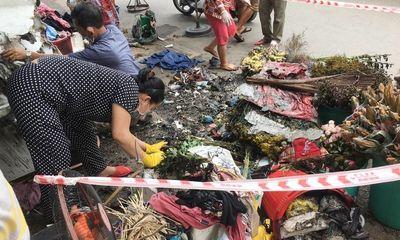 Vụ đốt cửa hàng bán hoa, hai vợ chồng nguy kịch: Tạm giữ 1 nghi can