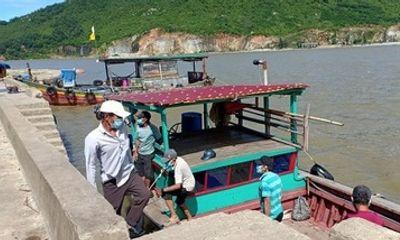 Thuê thuyền trốn khỏi vùng cách ly, nhóm ngư dân bị xử phạt 30 triệu đồng