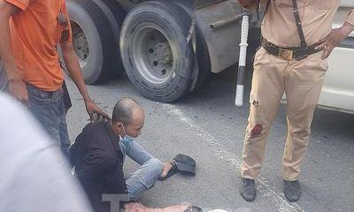 Truy bắt đối tượng sử dụng ma túy lái ôtô gây náo loạn trên đường, ép ngã xe CSGT