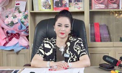 CEO Nguyễn Phương Hằng bất ngờ chia sẻ dừng mọi hoạt động từ thiện vào tháng 10 năm nay