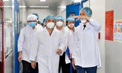 Thủ tướng Phạm Minh Chính: Nghiên cứu lập tổ hành động để sản xuất vaccine phòng COVID-19 nhanh nhất