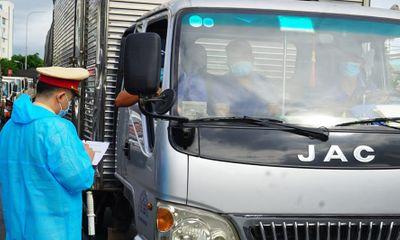 Tin tức thời sự mới nóng nhất hôm nay 30/7: Phương tiện vận chuyển hàng hóa không phải dừng kiểm tra tại chốt kiểm dịch