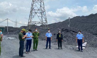 Hải Dương: Phát hiện bãi than lậu hàng chục nghìn tấn, chất cao như núi