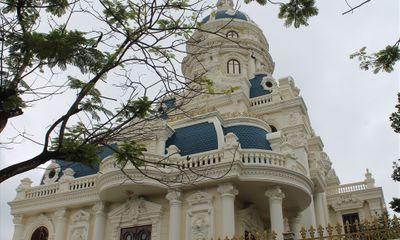 Cận cảnh tòa lâu đài trăm tỷ bị kê biên của đại gia Phát