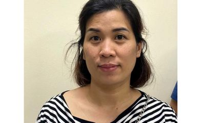 Làm giả giấy đi đường đưa người từ Hà Nội về Nghệ An, nữ kế toán bị khởi tố